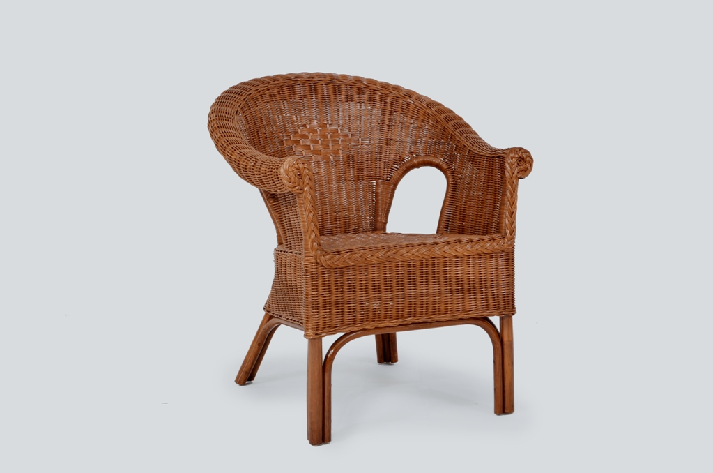 ajus chair